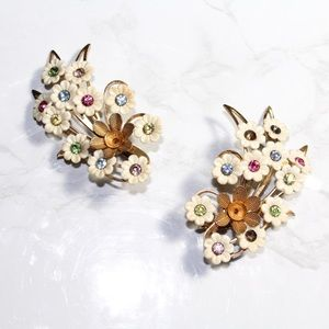 Vintage Emmons Floral Clip On Earrings